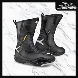 The RSX-5 is an ergonomically slanted touring boot designed to suit the rider's natural position. The ankle area features Poron®XRD™ inserts which absorb the impact and provide maximum dampening. The toe area is equipped with a TPR slider. The sole features SafeFoot cross-bracing. Synthetic gear change panel for greater precision while operating the gear change lever. The inside of the boot features a microporous, waterproof NextDry™ membrane and a soft lining. Reflective elements for better visibility in the dark.Shima RSX-5 Touring Boots for ₹9,999, link in bio.📞: 9769902249 for queries#AHHelmets #Helmets #HelmetsInIndia #Bikers #Bike #BikeLife #MotorCycle #MotorBike #MotorCycles #BikeRide #MountainBike #RoadBike #Racing #Cruising #Wheels #InstaMotorCycle #InstaMoto #InstaBike #InstaMotor #Bikestagram #Biker #Moto #BikersOfInstagram #Ride #BikePorn #Motor #Shima