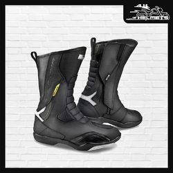 The RSX-5 is an ergonomically slanted touring boot designed to suit the rider's natural position. The ankle area features Poron®XRD™ inserts which absorb the impact and provide maximum dampening. The toe area is equipped with a TPR slider. The sole features SafeFoot cross-bracing. The inside of the boot features a microporous, waterproof NextDry™ membrane and a soft lining. Reflective elements for better visibility in the dark.Shima RSX-5 Touring Boot for ₹9,999, link in bio. 📞: 9769902249 for queries We accept Bajaj EMI. #AHHelmets #Helmets #HelmetsInIndia #Bikers #Bike #BikeLife #MotorCycle #MotorBike #MotorCycles #BikeRide #MountainBike #RoadBike #Racing #Cruising #Wheels #InstaMotorCycle #InstaMoto #InstaBike #InstaMotor #Bikestagram #Biker #Moto #BikersOfInstagram #Ride #BikePorn #Motor #ShimaBoots #Shima