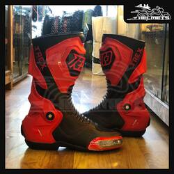 Scrub those corners on the track in confidence with the T-Rex racing boots. Built with Microfiber leather and double stitching reinforcement to provide optimum performance while maintaining fit and flexibility, the T-Rex is ever ready for duty at the feet of an aggressive racer, right out of the box.Microfiber leather upper layer Comfort foam with Superdry lining Double stitching reinforcement for prolonged lifeRyo T-REX Riding Boots (RED)for ₹11,750, link in bio.📞: 9769902249 for queries#AHHelmets #Helmets #HelmetsInIndia #Bikers #Bike #BikeLife #MotorCycle #MotorBike #MotorCycles #BikeRide #MountainBike #RoadBike #Racing #Cruising #Wheels #InstaMotorCycle #InstaMoto #InstaBike #InstaMotor #Bikestagram #Biker #Moto #BikersOfInstagram #Ride #BikePorn #Motor #Ryo